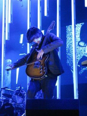 Jonny+Greenwood+jonny+tour+208